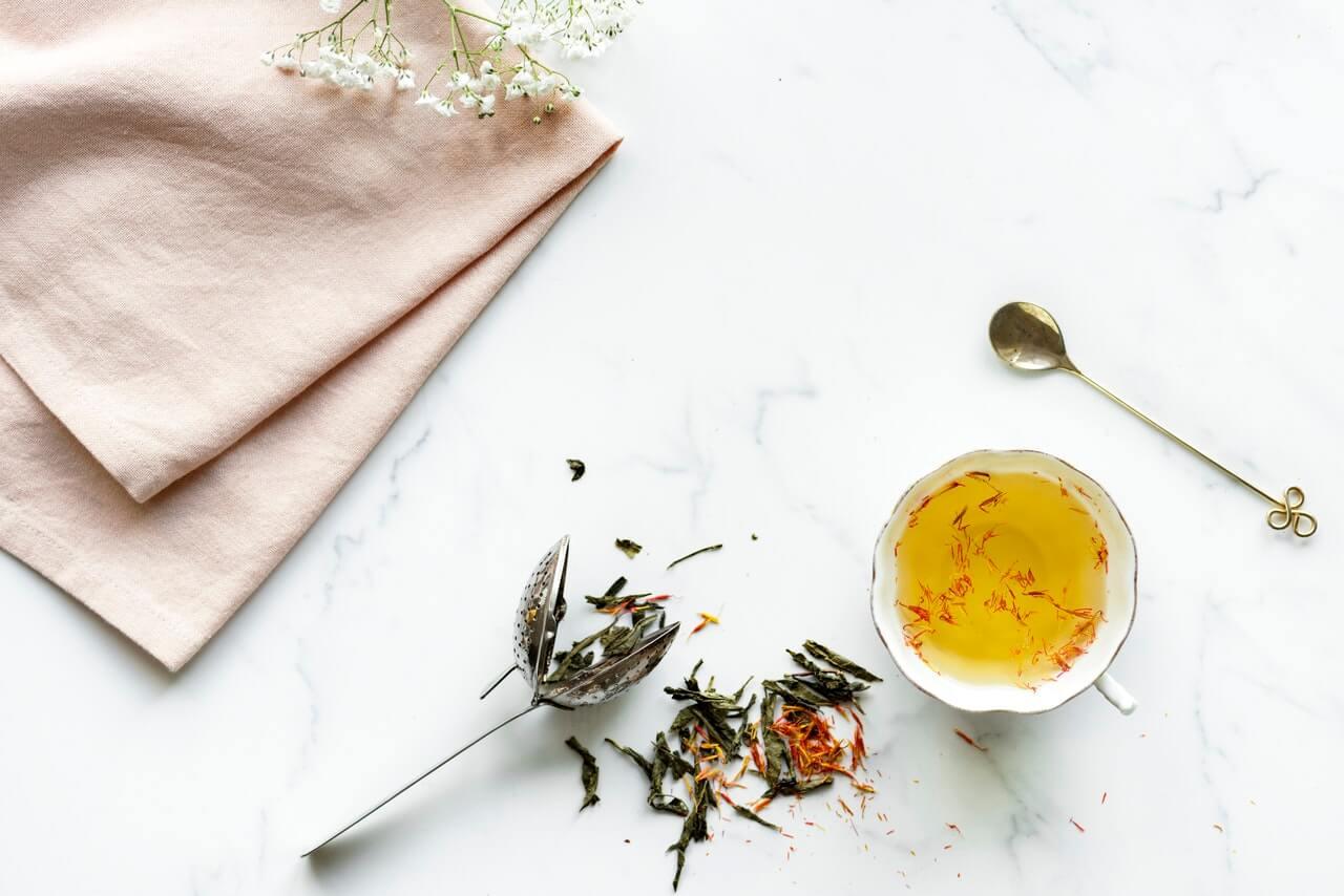 Uvarte si bylinkový čaj