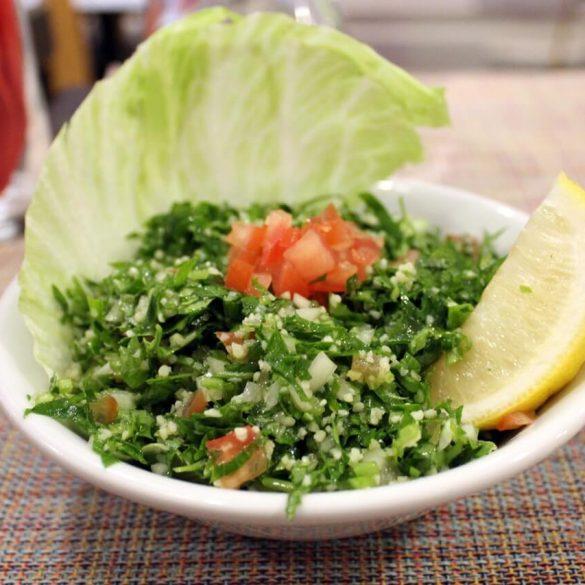Frissítő libanoni Tabouleh saláta