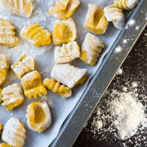 Domáce gnocchi so syrovo-smotanovou omáčkou