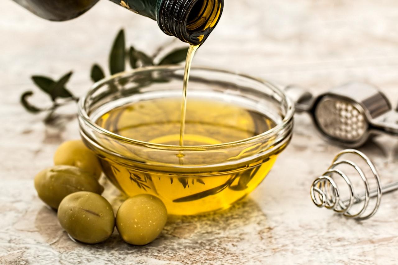 Olivy a slnečnicové semienka