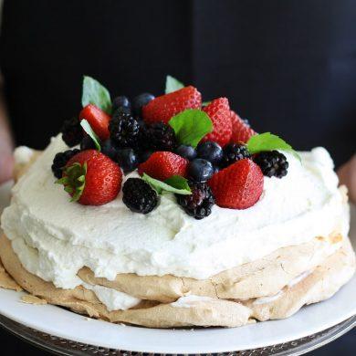 Krehká torta Pavlova
