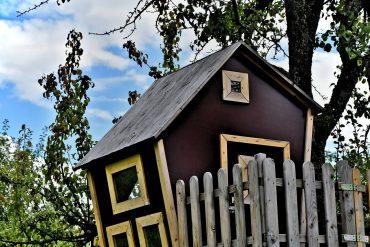 Vyrobte deťom domček na strome