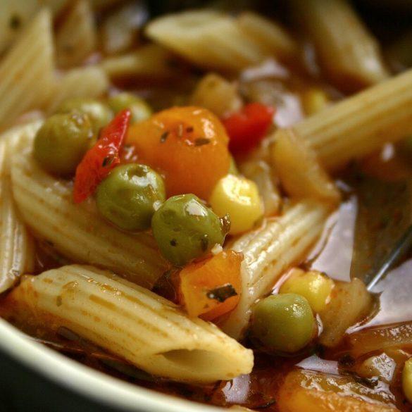 Tradičná talianska polievka Minestrone