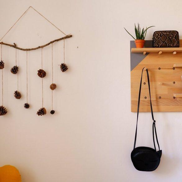 Vyrobte si ozdôbku zo šišiek či lesných plodov