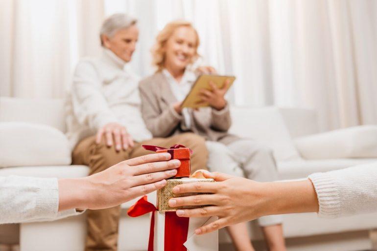Čo darovať rodičom pod stromček?