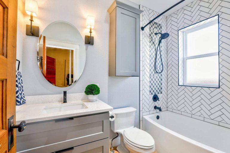 5 tipp, mely megkönnyíti a fürdőszoba tisztítását