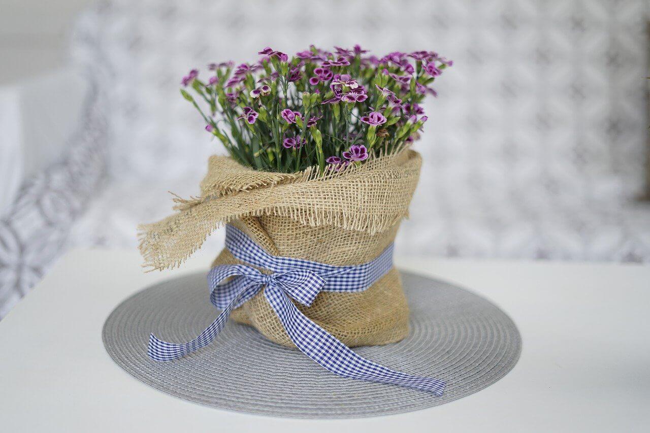 Aj zazimované rastliny na balkóne či na terase je potrebné polievať