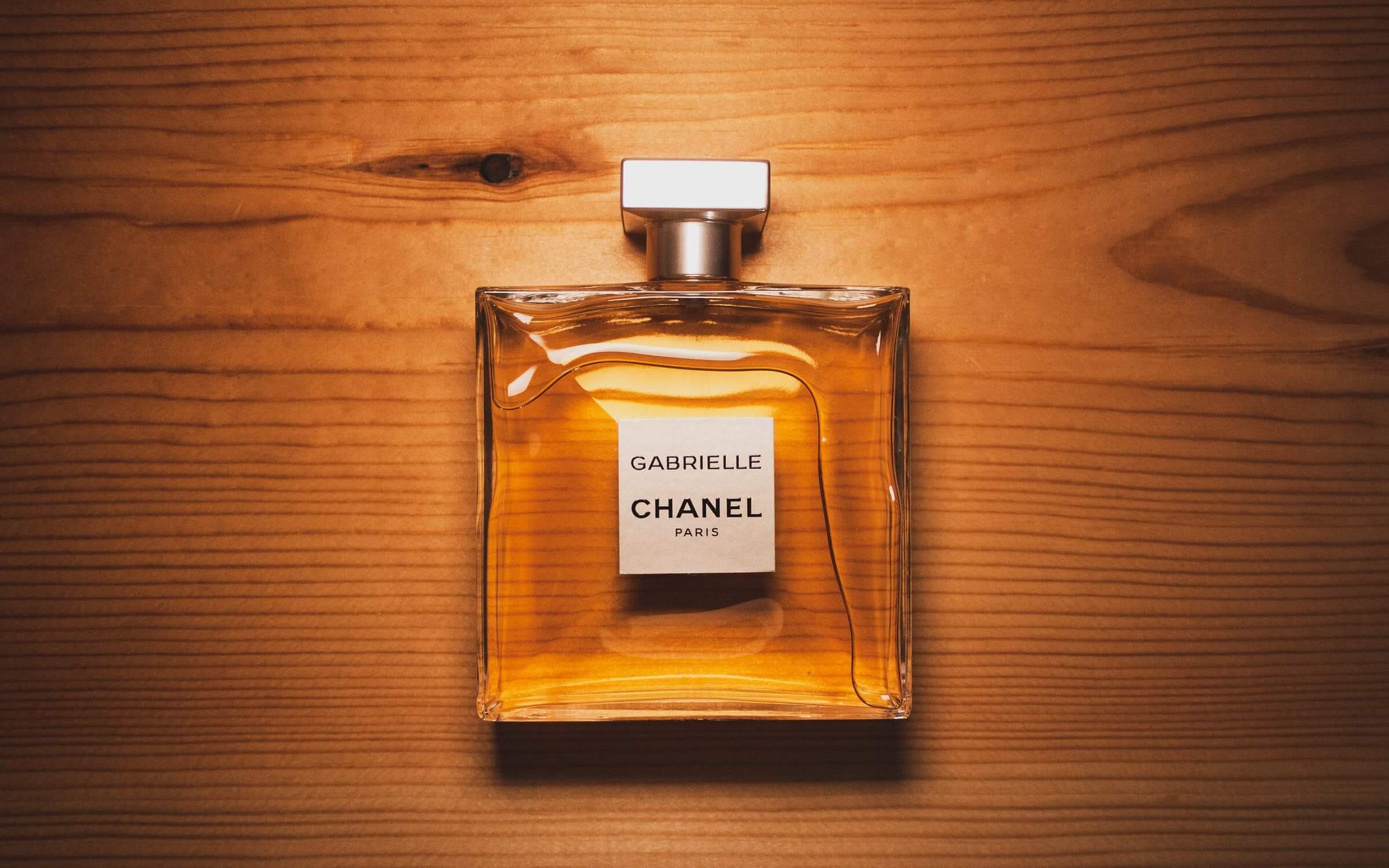 Žena, ktorá nepoužíva parfém, nemyslí na budúcnosť