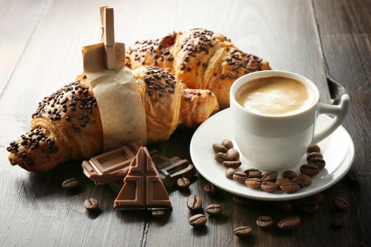 Obzvlášť nevhodné sú tie gigantické tégliky s prehnane presladenými kávami