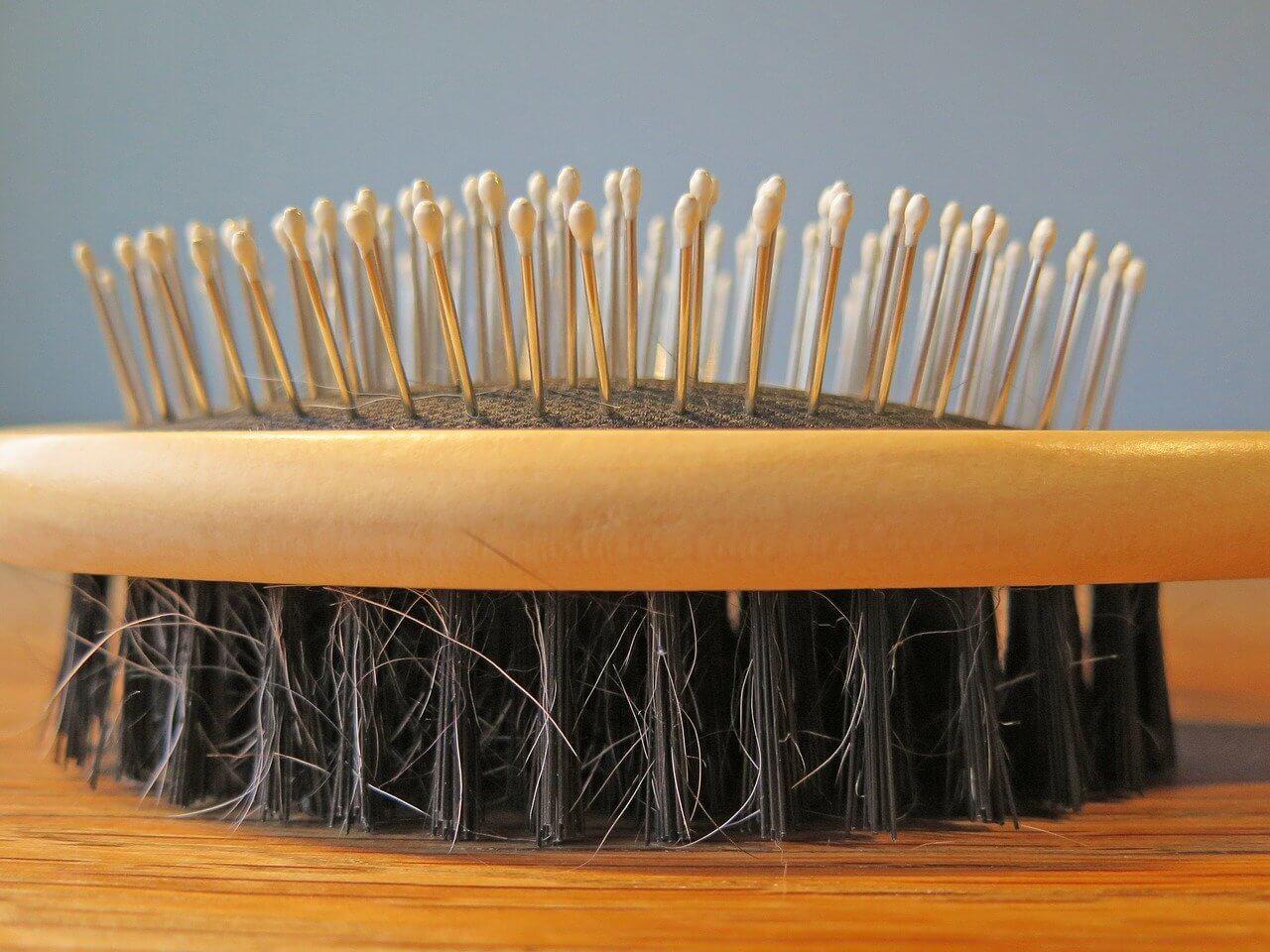 Medzi najčastejšie dôsledky nedostatku zinku patrí rýchle a masívne vypadávanie vlasov