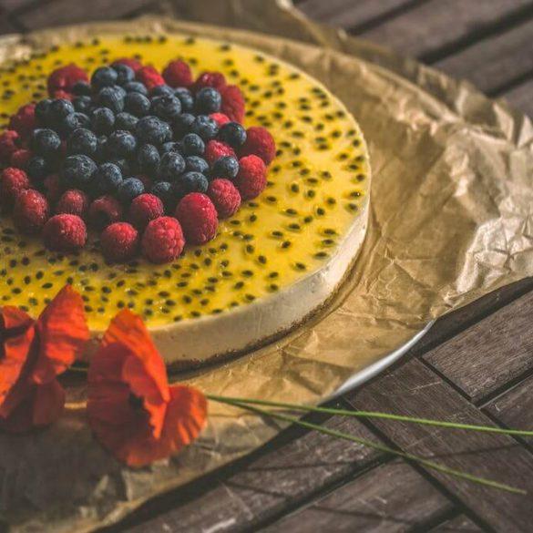 Tvarohová torta bez múky s ovocím