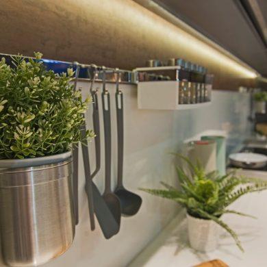 Hogyan használjuk ki a LED szalagot a konyhában