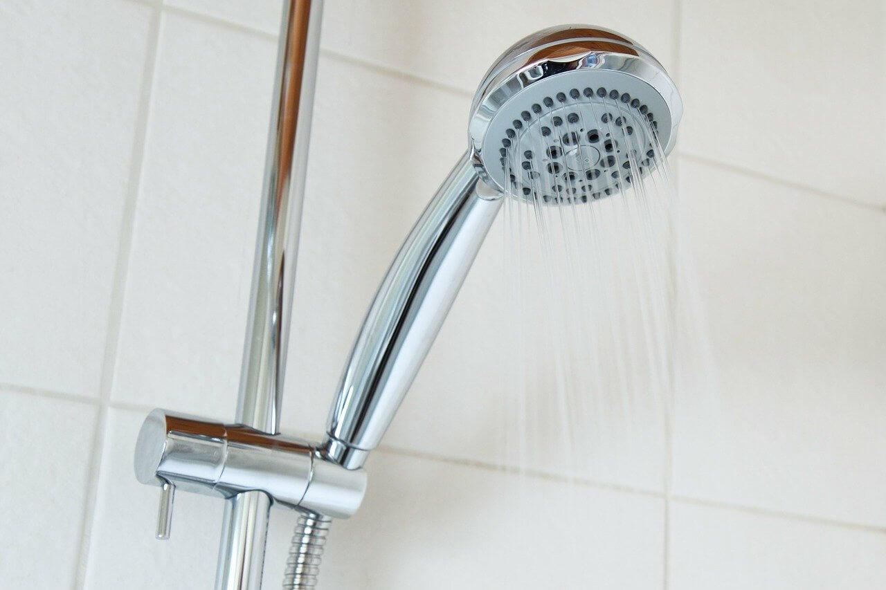 Ako znížiť spotrebu vody v kúpeľni