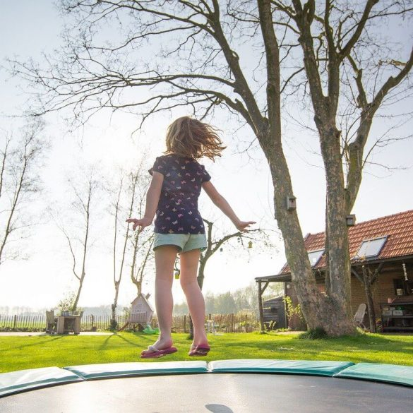 Sfaturi cum să dezvoltați abilitățile motorii brute la copii
