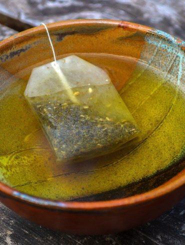 Použité čajové vrecúško využijete doma i v záhrade