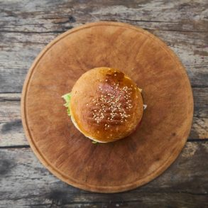 Hamburger s avokádovou majonézou