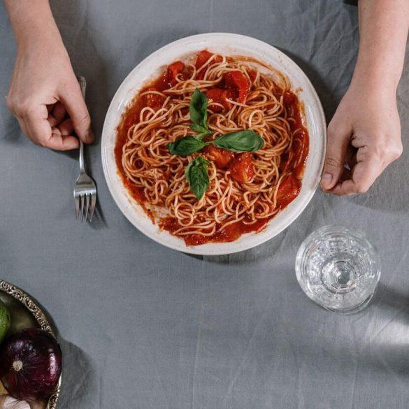 3 gyors öntet a spagettitésztához