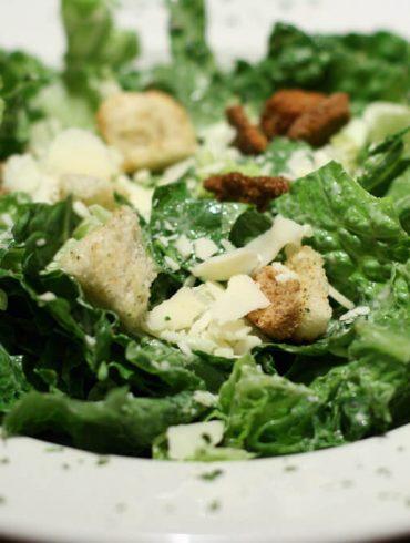 Az eredeti Cézár saláta