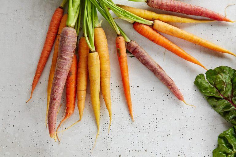 Hogyan lehet feldolgozni a szezonális zöldségeket bébiételekké