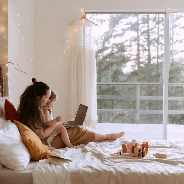 5 sfaturi despre cum să lucrați eficient de acasă și cu copil