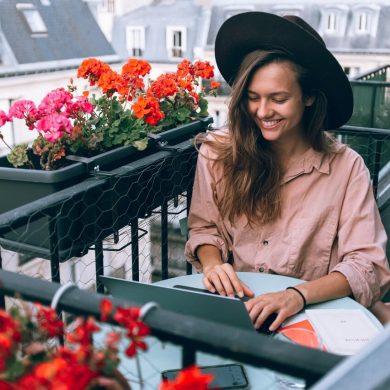 Ako sa starať o kvety na balkóne počas horúčav