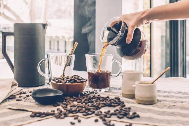 A túl sok koffein migrént okozhat
