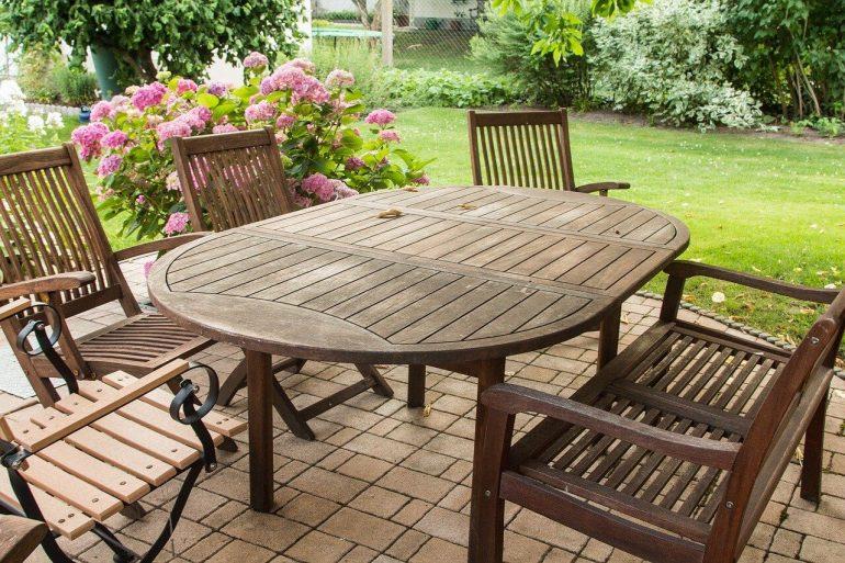 Ako zazimovať záhradný nábytok?