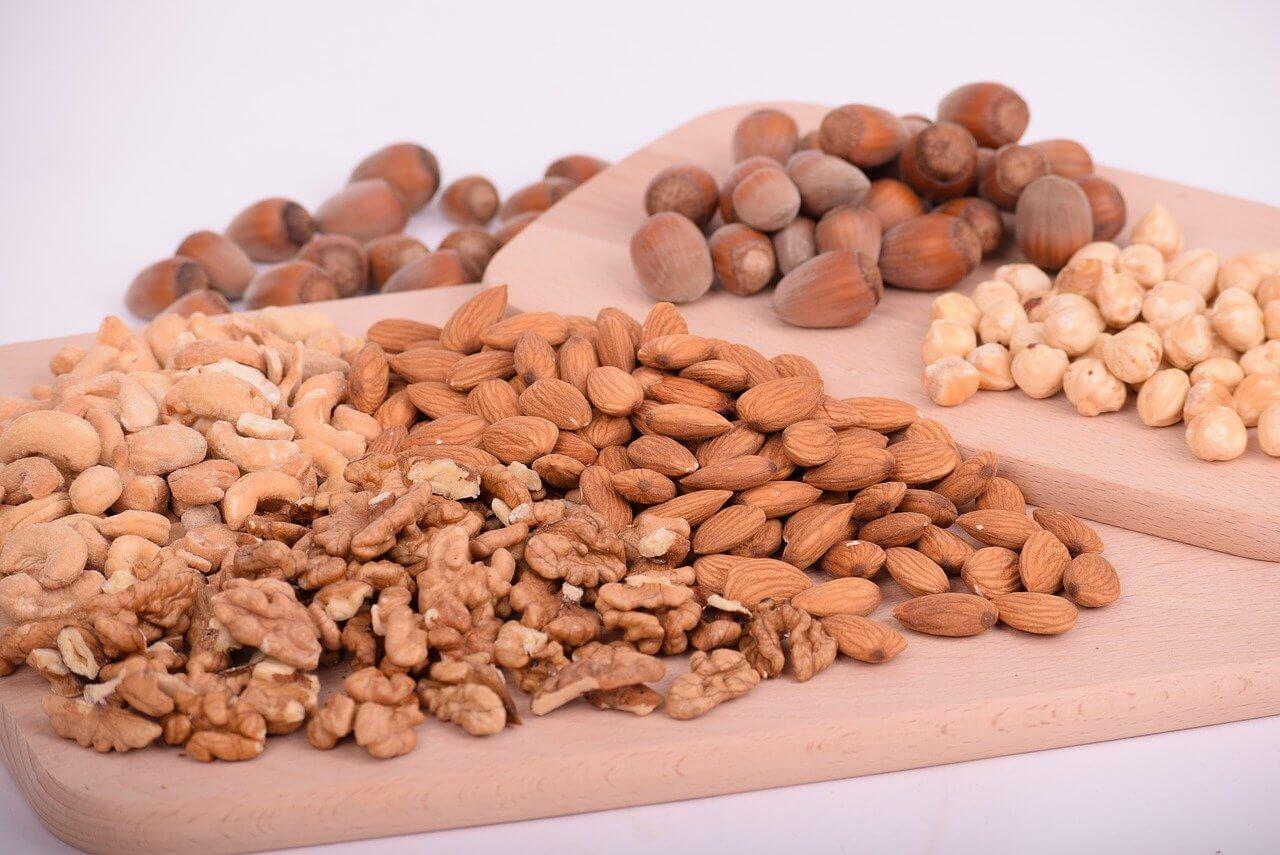 Zaraďte do jedálnička orechy a strukoviny