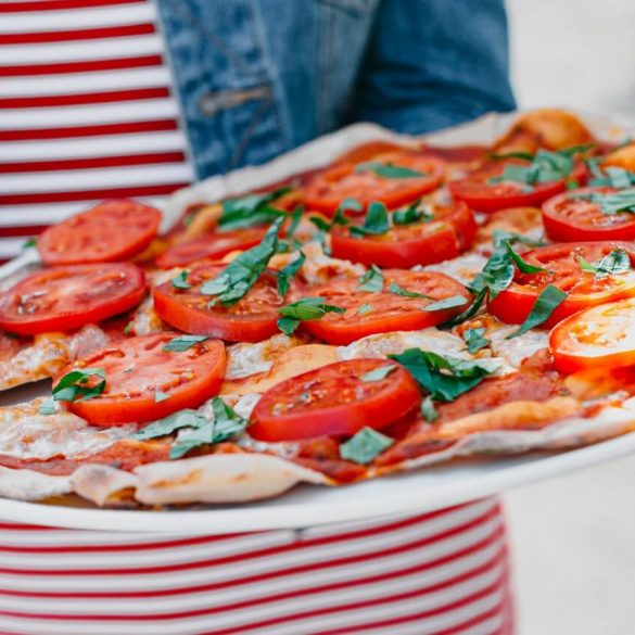 Chrumkavá kvásková pizza