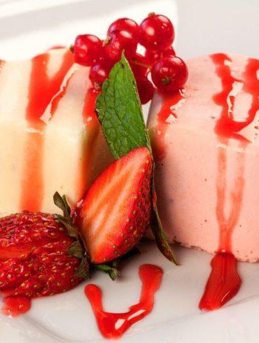 Valentínsky tip na dezert – ružová panna cotta