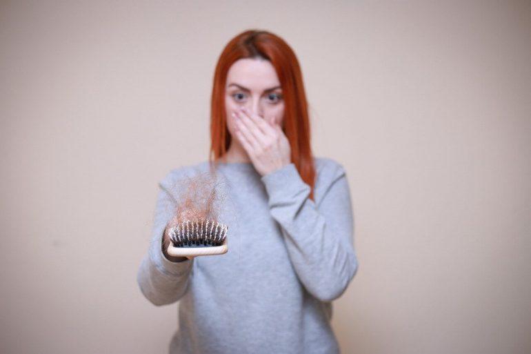 Rady proti padaniu vlasov, ktoré skutočne fungujú