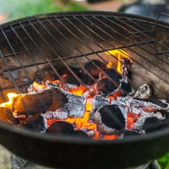Záhradný gril, ohnisko alebo krb