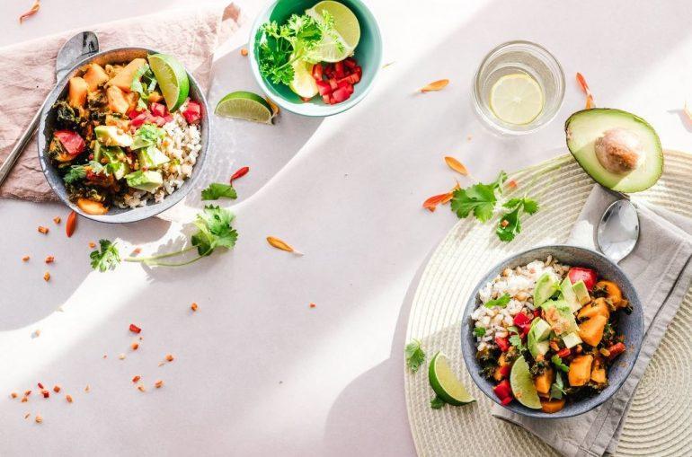 3 Rețete de salată delicioase și sățioase