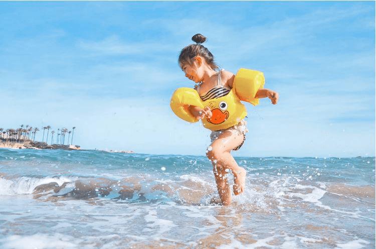 Cum ferești copilul de probleme de sănătate vara
